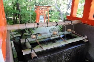 kanazawa_shrine_210294[1].jpg